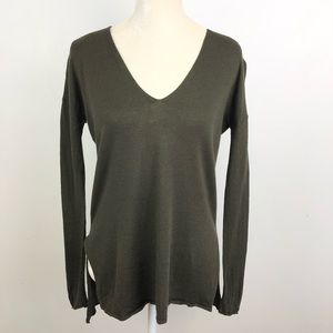 Aritzia Babaton Erin sweater Olive Thin v neck